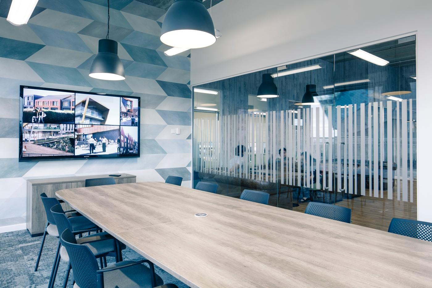 Bombyx PLM HQ